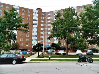Bay Village, Rocky River, Fairview Park, Westlake, Lakewood Condo/Townhouse For Sale: 11850 Edgewater Dr #901