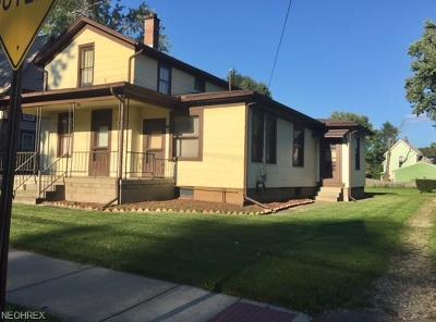Massillon Multi Family Home For Sale: 426 8th St Northeast