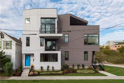 Single Family Home For Sale: 2058 West 18th St