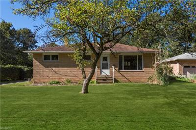 North Olmsted Single Family Home For Sale: 4526 Dover Center Rd