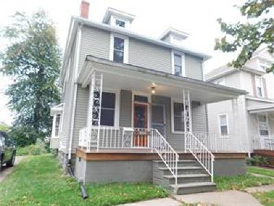 Lorain Single Family Home For Sale: 2159 East 30th St