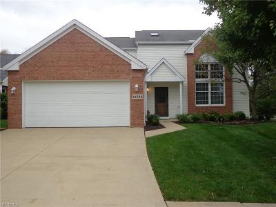Strongsville Single Family Home For Sale: 12322 Mulberry Cir