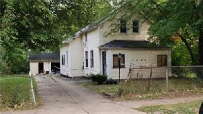 Cleveland Single Family Home For Sale: 10901 Shale Ave