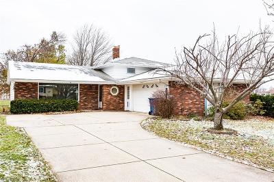 Parma Heights Single Family Home For Sale: 7012 Tobik Trl