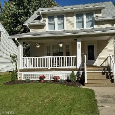 Lorain Single Family Home For Sale: 227 Indiana Ave