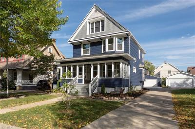 Lakewood Single Family Home For Sale: 1555 Grace Ave