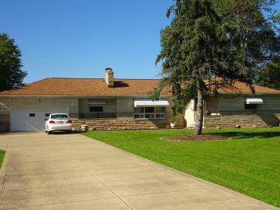 Middleburg Heights Single Family Home For Sale: 7618 West 130th St