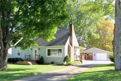 Canfield Single Family Home For Sale: 433 Holly St