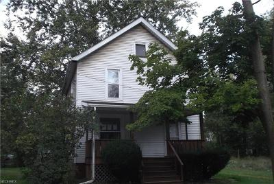 Warren Single Family Home For Sale: 225 Haymaker Ave Northwest