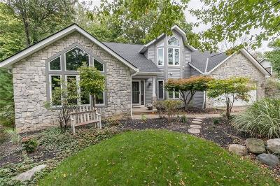 Broadview Heights Single Family Home For Sale: 2069 McClaren Ln
