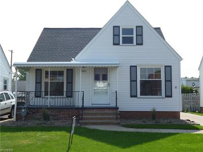 Parma Single Family Home For Sale: 5707 Luelda Ave