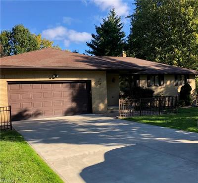 Parma Single Family Home For Sale: 12970 Martin Dr