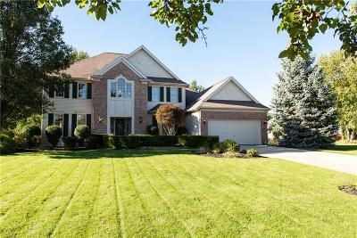Strongsville Single Family Home For Sale: 22074 Woodfield Trl