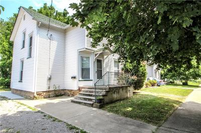 Elyria Single Family Home For Sale: 251 8th St