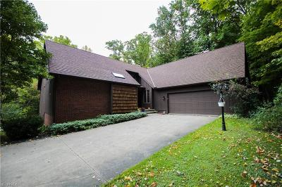 Chardon Single Family Home For Sale: 9595 Mentor Rd