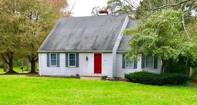 Youngstown Single Family Home For Sale: 3700 Logan Way