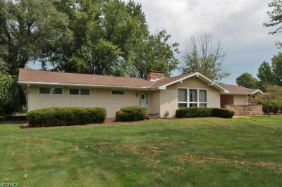 Zanesville Single Family Home For Sale: 2788 Center Dr