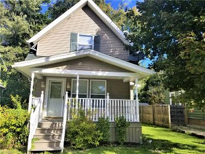 Elyria Single Family Home For Sale: 131 Erie St