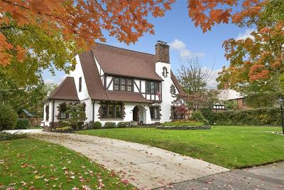 Cuyahoga County Single Family Home For Sale: 2896 Claremont Rd