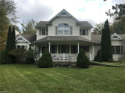 Ashtabula County Single Family Home For Sale: 7452 Kingsboro Dr