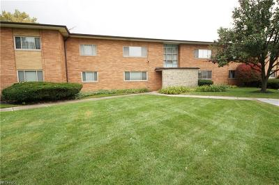 Rocky River Condo/Townhouse For Sale: 1750 Wagar Rd #108C
