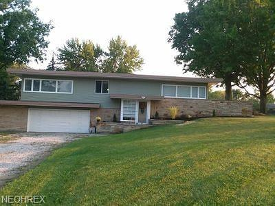 Lorain Single Family Home For Sale: 2701 West Skyline Dr