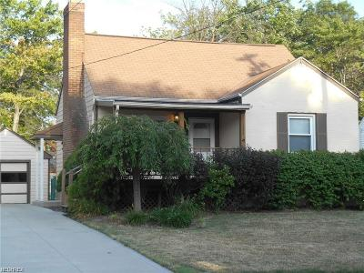 Mayfield Heights Single Family Home For Sale: 1224 Sunset Rd