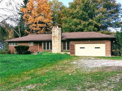 Geauga County Single Family Home For Sale: 7920 Fairmount Rd