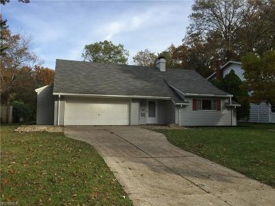 North Olmsted Single Family Home For Sale: 6673 Chadbourne Dr