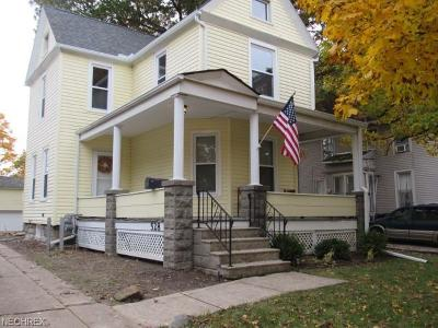 Elyria Single Family Home For Sale: 528 2nd St