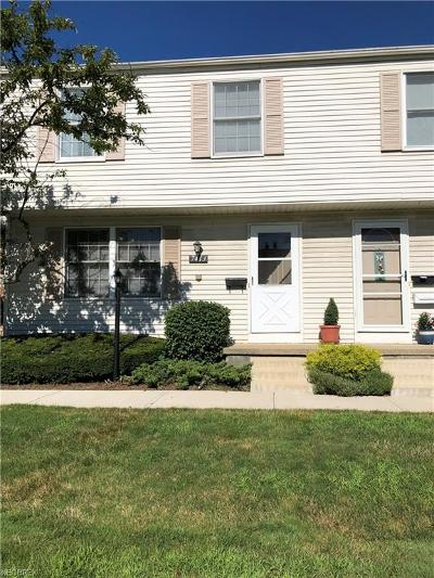 Mentor Condo/Townhouse For Sale: 7413 Yorktown Ct #J