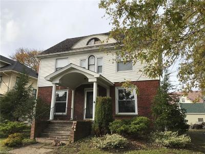 Ashtabula County Single Family Home For Sale: 800 West Main Rd