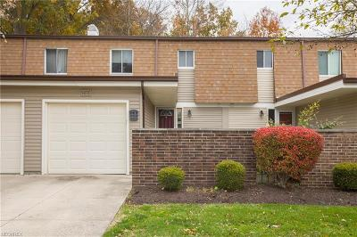Olmsted Falls Condo/Townhouse For Sale: 9273 Sussex Dr