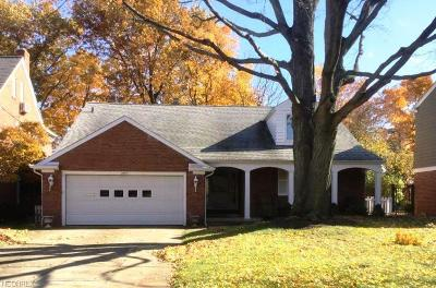 Rocky River Single Family Home For Sale: 2285 Valley View Dr