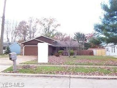 Lorain Single Family Home For Sale: 4612 Tanglewood Pl