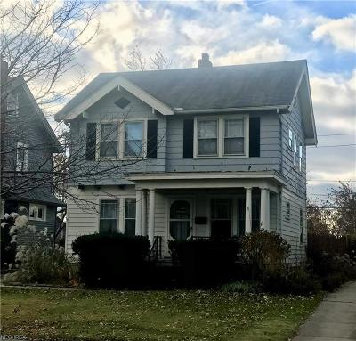 Lakewood OH Single Family Home For Sale: $154,000