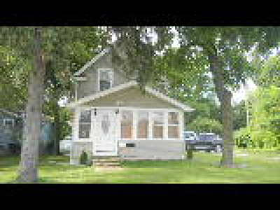North Olmsted Single Family Home For Sale: 23702 Lorain Rd