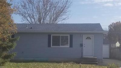 Lorain County Single Family Home For Sale: 4621 Norfolk Ave