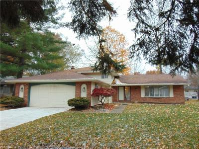 North Olmsted Single Family Home For Sale: 27892 Forestwood