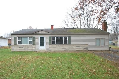 Canfield Single Family Home For Sale: 3450 Warwick Ct