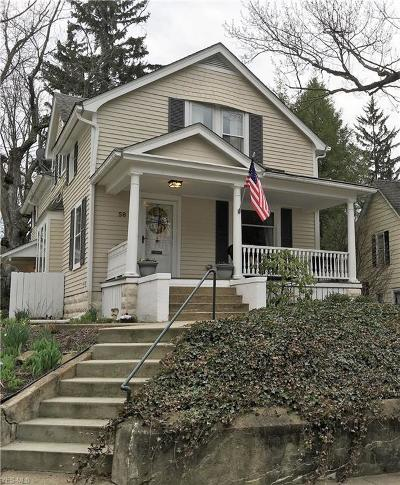 Chagrin Falls Single Family Home For Sale: 58 Bellview St