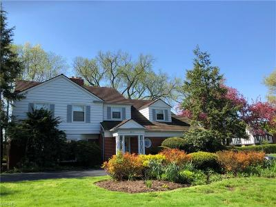 Cuyahoga County Single Family Home For Sale: 19800 South Woodland Rd