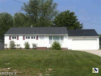 Strongsville OH Single Family Home For Sale: $134,900