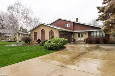Seven Hills Single Family Home For Sale: 632 Applewood Dr