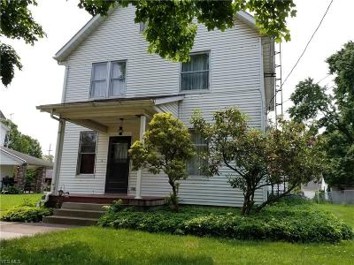 Lisbon Single Family Home For Sale: 434 E Chestnut Street
