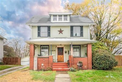 Single Family Home For Sale: 157 Oxford