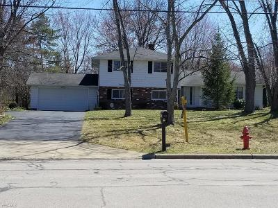 Mayfield Heights Single Family Home For Sale: 6498 Gates Mills Blvd