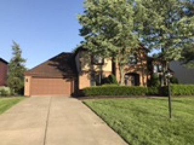Strongsville Single Family Home For Sale: 17827 Saratoga Trl