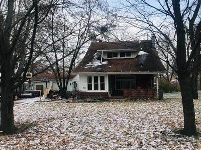 Single Family Home For Sale: 1826 South Linden Ave