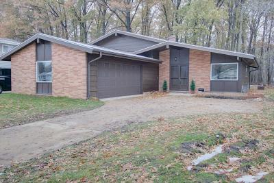 North Olmsted Single Family Home For Sale: 23920 Amesbury Dr